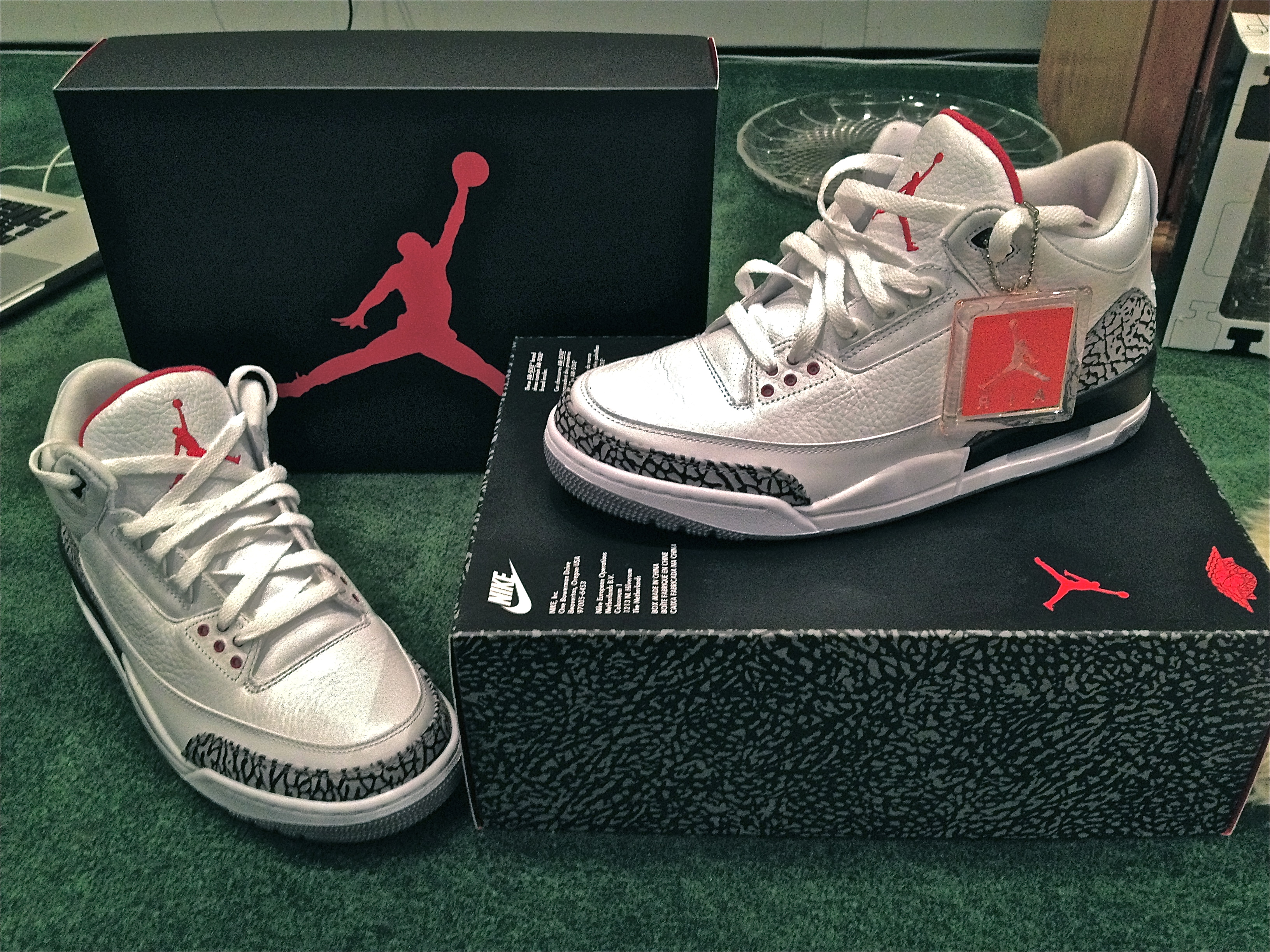 best service bda72 800d1 Air Jordan 3 Fire Red On Feet backgroundheaven.co.uk